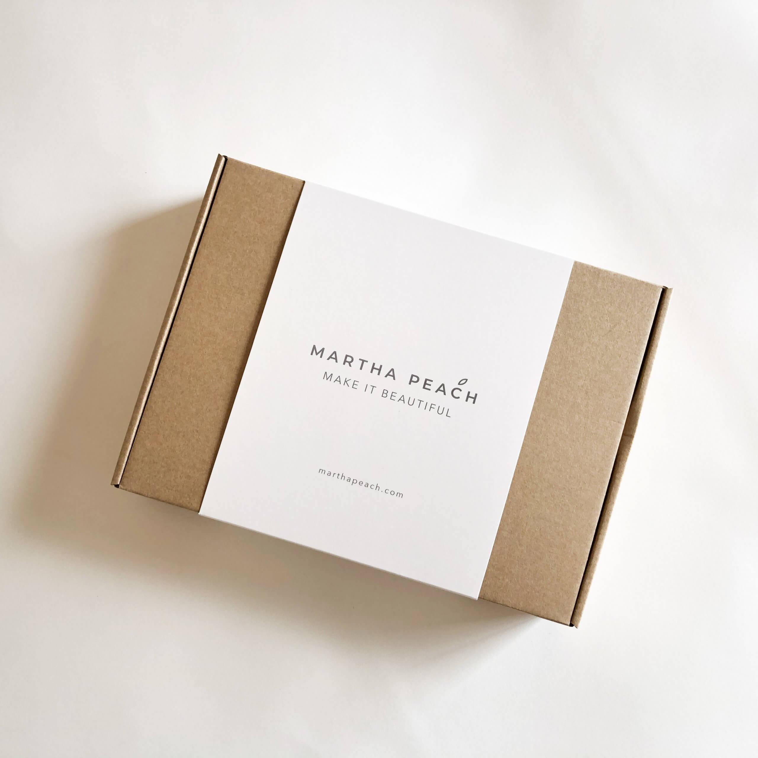 La marca Martha Peach envía sus productos en cajas con faja