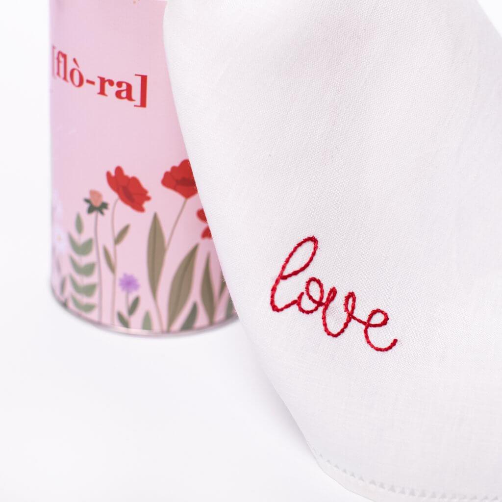 flora lattina in cartone closeup