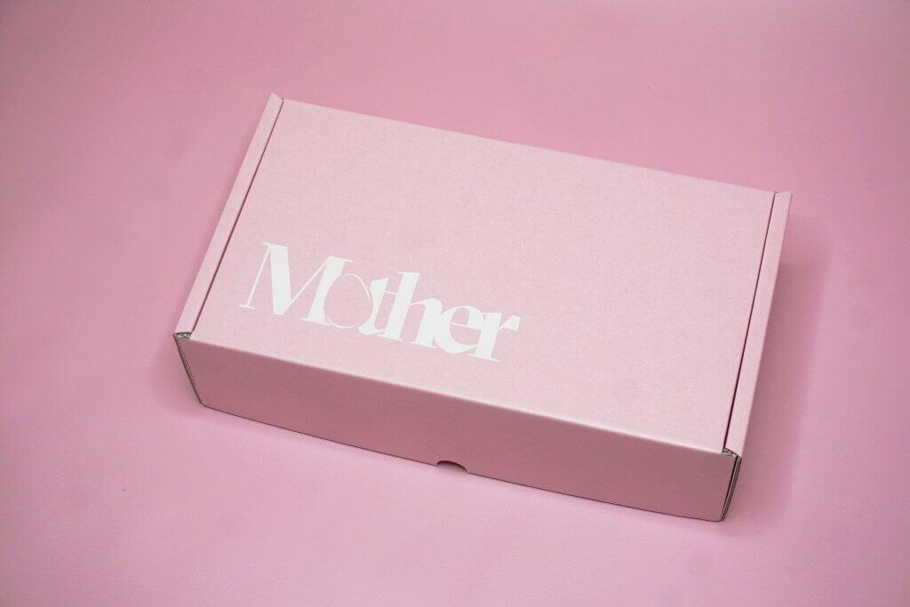 logo alb cutie roz pal