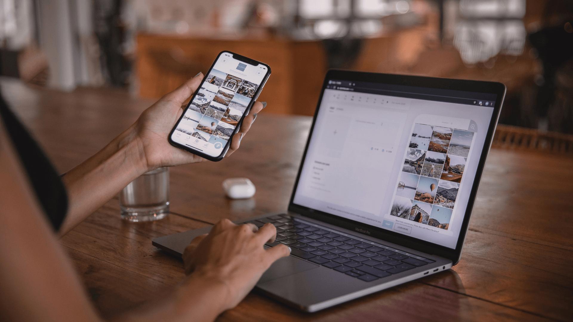 influencer laptop telefon