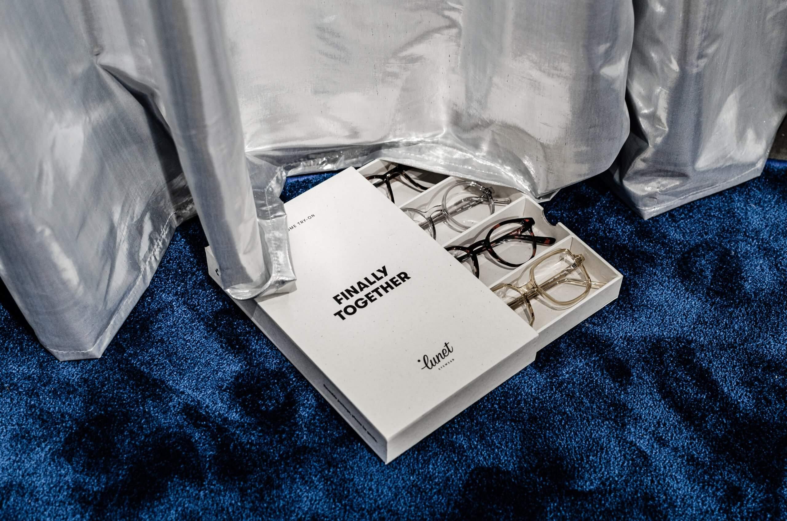 cutie transport ochelari 1