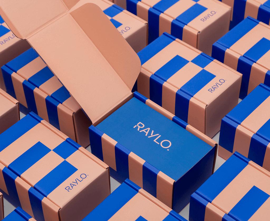 cutii kraft cu albastru