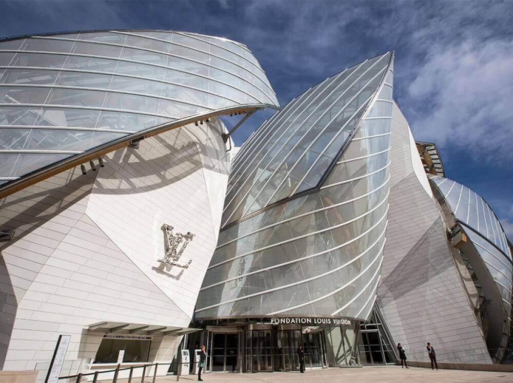 cladirea Louis Vuitton Paris