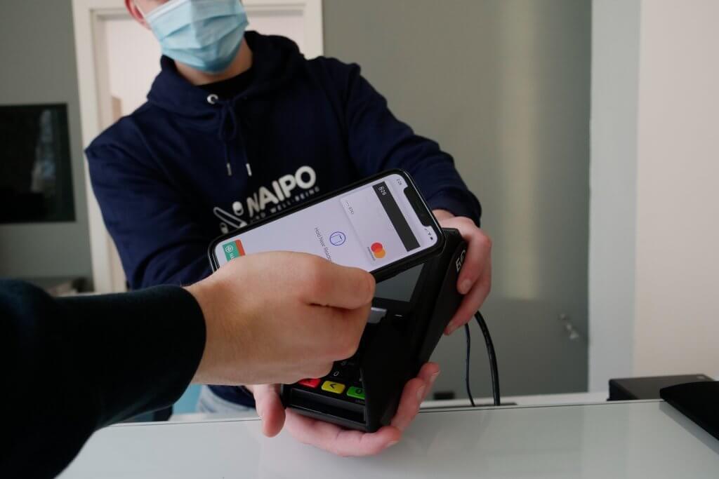 retail e pagamento contactless