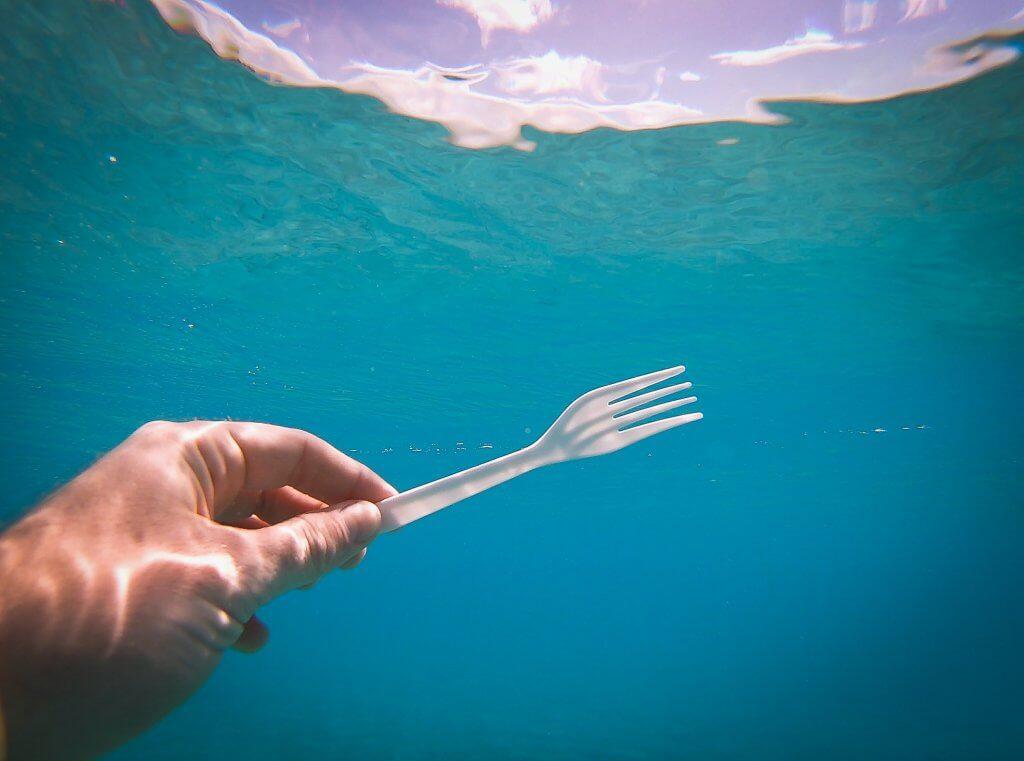 Einwegplastik in den Meeren
